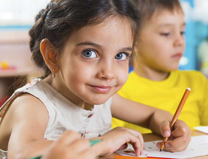 Difference Between Montessori and Traditional School